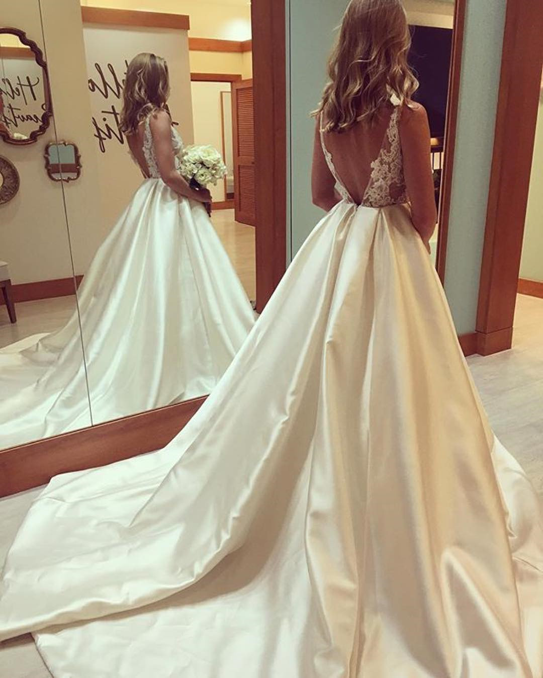 Ivroy Ball Gown Satin Princess Wedding Dresses