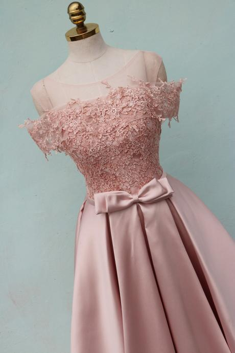 Pearl Pink Bridesmaid Dresses,Lace Appliques Bridesmaid Dresses,Off the Shoulder Bridesmaid Dresses,Bridesmaid Dresses Long,Satin Wedding Party Dresses