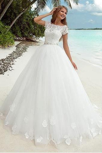 A-Line Wedding Dress With Lace Appliques & 3D Flowers & Beadings, Sexy Wedding Gown ,High Quality ,Sweep Train ,Sexy Formal Evening Dress,Custom Made
