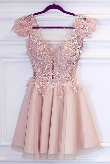 Charming Homecoming Dresses,Tulle Prom Dresses,Appliques Beads Homecoming Dress,Prom Gown