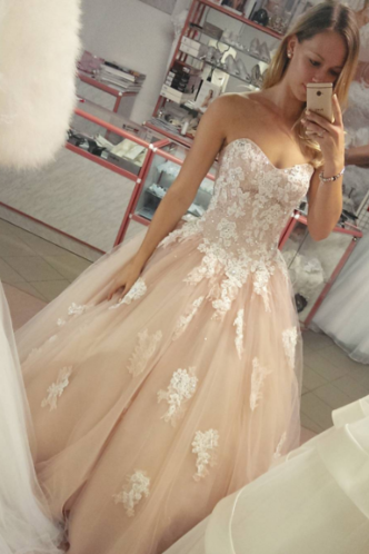 Sweetheart Appliques Wedding Dress,Long Wedding Dresses,Charming Bridal Dresses,Evening Dress Prom Gowns, Formal Women Dress,prom dress